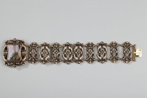 Gold and enamel bracelet mid-19th century