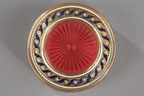 18th century - A gold and enamel candy box. Late18th century