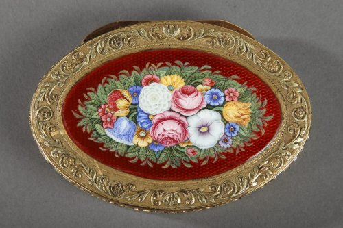 Objects of Vertu  - Gold and enamel box, early 19th century