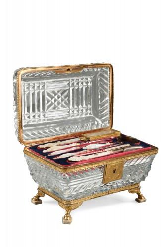 19th century french crystal toiletry box. Circa 1820-1830