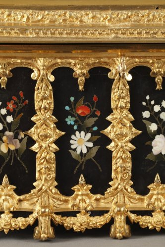 Objects of Vertu  - Pietra dura and gilt bronze box. Mid-19th century.