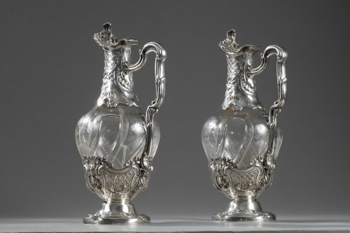 Pair of cut-crystal ewers set in silver. 19th century - Antique Silver Style