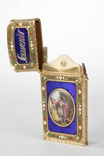 Objects of Vertu  - Writing case in gold and enamel. 18th century