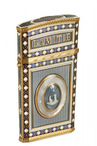 Tablet case in gold with enamel, mother-of-pearl 18th century