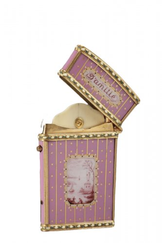 Gold, enamel and tablet case. 18th century.