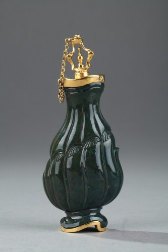 Objects of Vertu  - Jasper and Gold Flask 18th Century. English Craftsmanship.