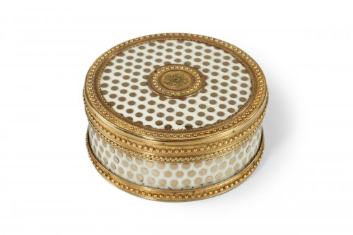 Gold and enamel box. Louis XVI period. Circa 1782.