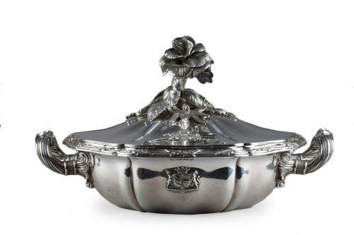Silver vegetable-dish covered. Paris. 19th.