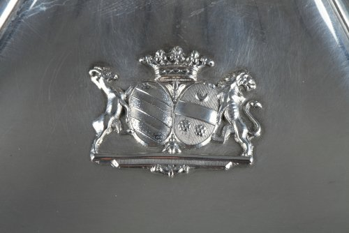 Antique Silver  - Silver vegetable-dish covered. Paris. 19th.