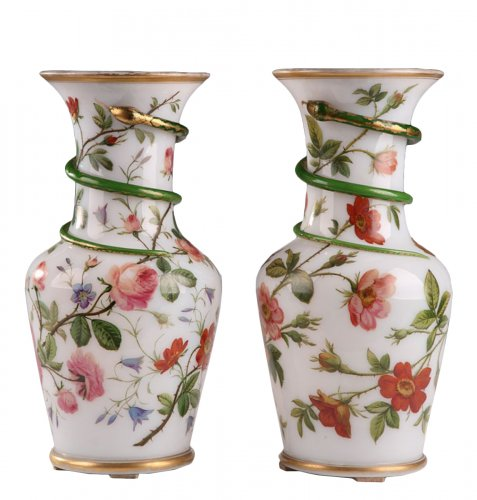 Pair of white opaline vases. Model of J-F Robert. Circa 1840-1850.