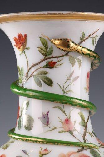 Pair of white opaline vases. Model of J-F Robert. Circa 1840-1850.  -