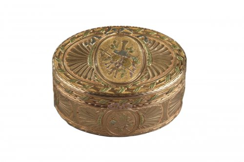 Gold snuff box Louis XV period