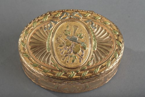 Gold snuff box Louis XV period - Objects of Vertu Style Louis XV