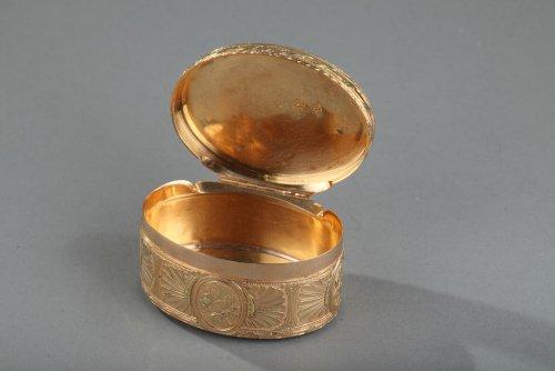 18th century - Gold snuff box Louis XV period