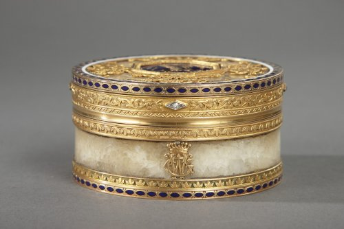 Objects of Vertu  - Quartz and gold box with enamel and diamond, Rozet and Fishmeinster