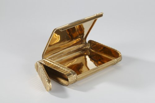 Gold case with diamonds. Henri Husson, Early 20th century. - Antique Jewellery Style