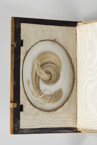 19th century - Charles X dance card in mother-of-pearl and gold, Restauration period