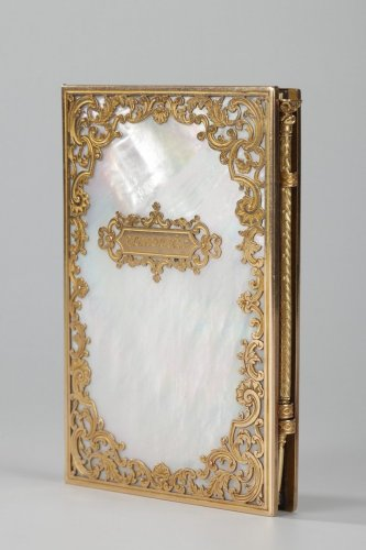 Charles X dance card in mother-of-pearl and gold, Restauration period - Restauration - Charles X