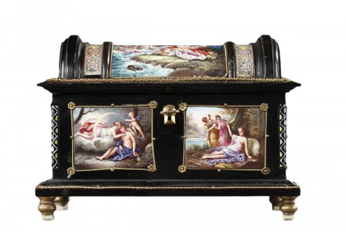 Enamel of Vienna coffer signed Klein. 19th century.