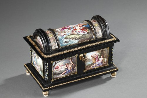 Enamel of Vienna coffer signed Klein. 19th century.  - Objects of Vertu Style
