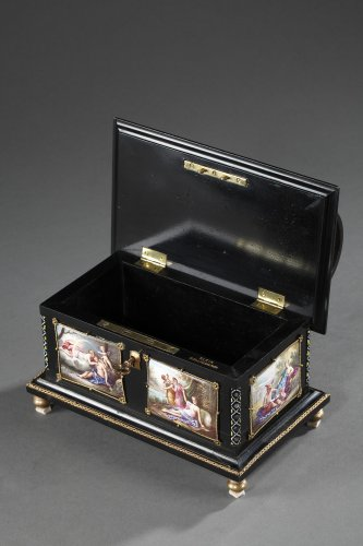 - Enamel of Vienna coffer signed Klein. 19th century.