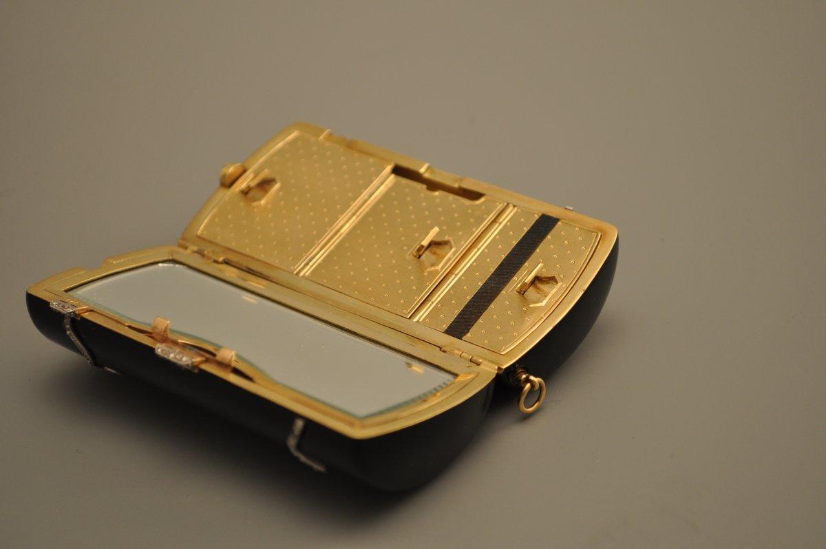 Art Deco Minaudi Re Of Oblong Shape In Enamel On Gold Circa 1920 1930