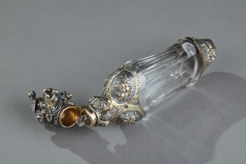 Antiquités - Silver and Crystal Flask Restauration period