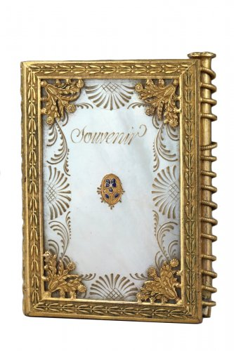 Charles X dance card in mother of pearl and bronze circa 1815-1830