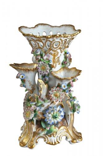 Paris porcelain vase, Jacob Petit manufacture, Mid-19th century.