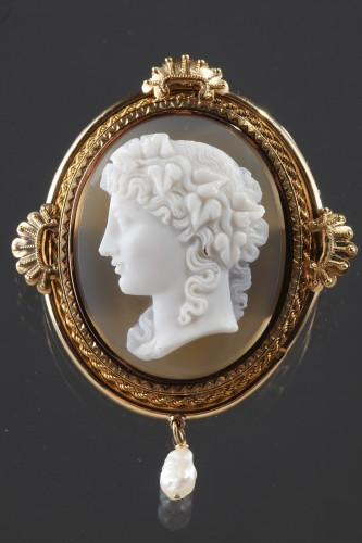 Gold Brooch with Pearl and Cameo on Agate - Antique Jewellery Style Napoléon III