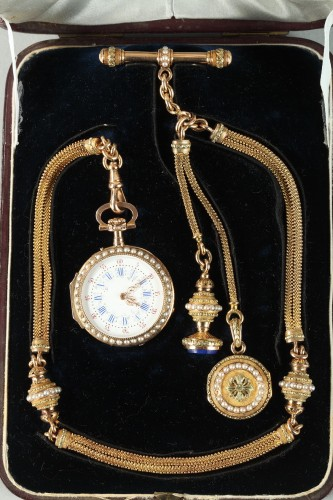 Exceptional Leroy & Fils Chatelaine – Palais Royal  mid-19th century. - Clocks Style Restauration - Charles X