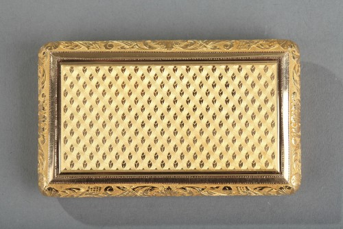 Gold snuff box early 19th century.  Signed Louis-François Tronquoy. -