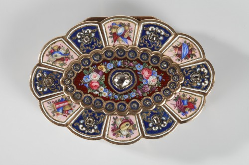 Enameled Gold Snuff Box, 19th century - Objects of Vertu Style