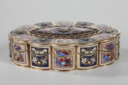 Objects of Vertu  - Enameled Gold Snuff Box, 19th century