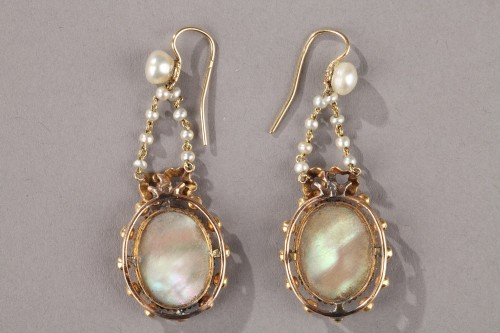 Pair of Gold, Enamel, Pearl, and Mother-of-Pearl Earrings - Antique Jewellery Style Napoléon III