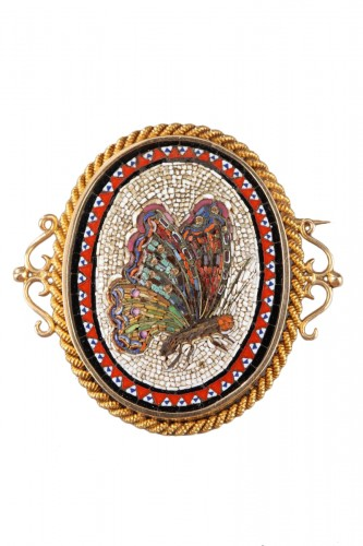 19th Century Gold Brooch with Micromosaic
