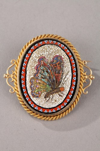 19th Century Gold Brooch with Micromosaic.  -