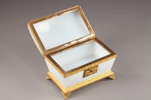 Objects of Vertu  - Charles X white opaline jewelery Box Circa 1820
