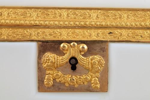 Charles X white opaline jewelery Box Circa 1820 - Restauration - Charles X