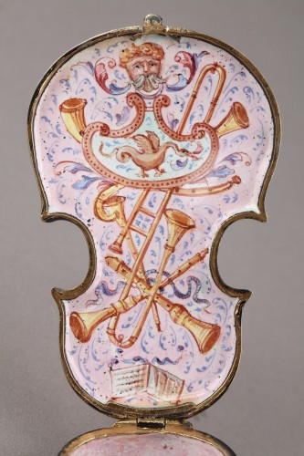 Objects of Vertu  - Silver and Enamel violin vinaigrette. Ludwig Politzer. Vienna 19th Century.
