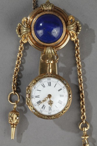 Gold and Lapis Lazuli Chatelaine, Signed Muret et Farvy frères - Clocks Style Restauration - Charles X