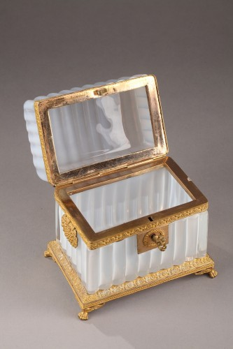 White Opaline Box - Glass & Crystal Style Restauration - Charles X