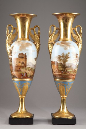 Pair of Large Fuseau Vases in Porcelaine de Paris. Empire Period. - Porcelain & Faience Style Empire
