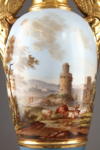 Pair of Large Fuseau Vases in Porcelaine de Paris. Empire Period. -