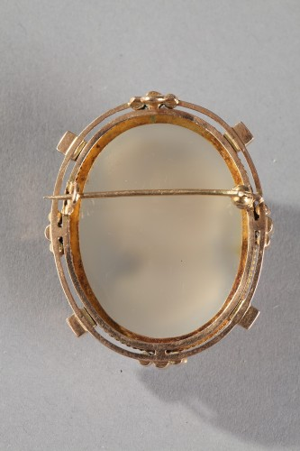 Mid 19th Century cameo with gold and pearls. - Antique Jewellery Style Napoléon III