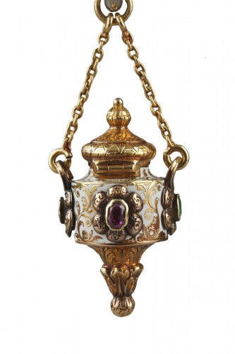 Early 19th century gold and enamel vinaigrette. Charles X.