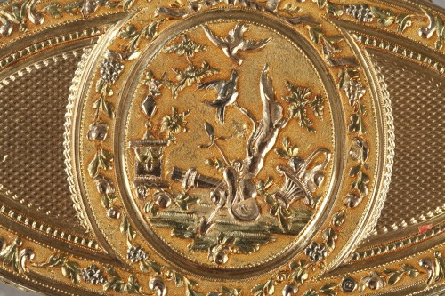 Gold snuff box Louis XVI period -
