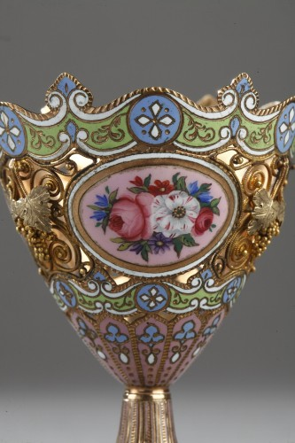 19th century - A gold and enamel Zarf