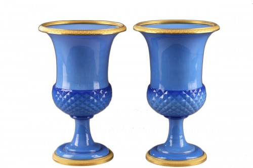 Paire of blue opaline Medici Vases
