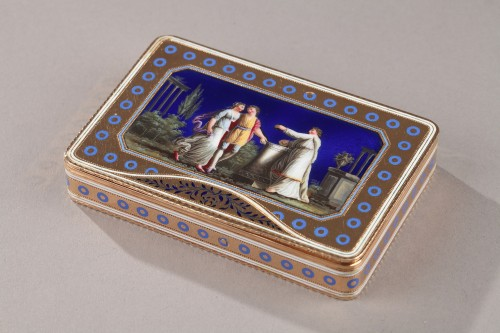 Objects of Vertu  - Rectangular enamelled gold box.